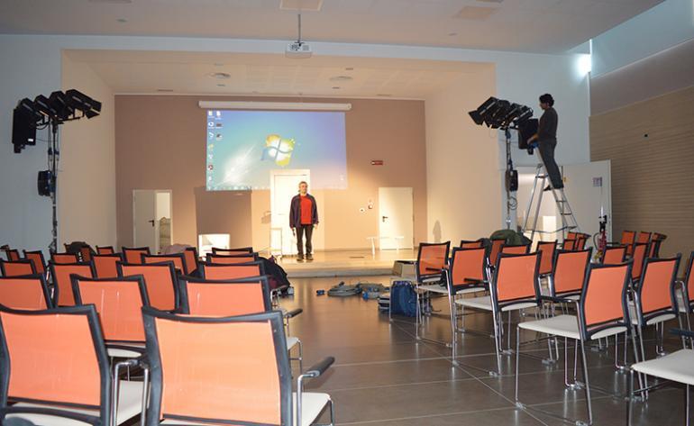 Nuova assistenza sala conferenze - Sala insonorizzata ...